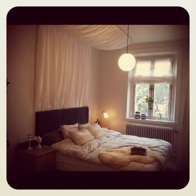Sweet dreams under my white sky <3