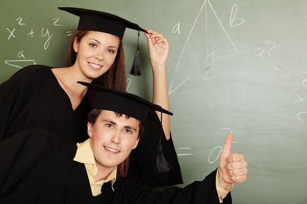 Шапочки и мантии для магистров и бакалавров
