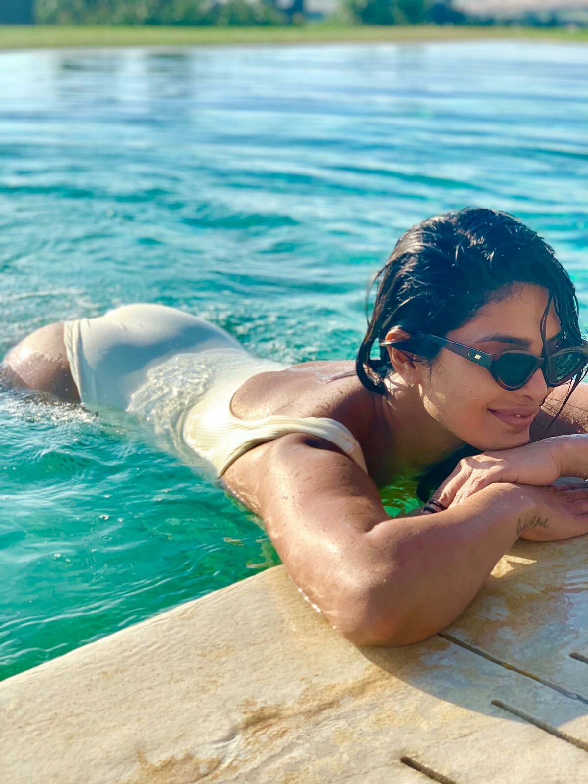 Priyanka Chopra  Priyanka Chopra Bikini, Actress Priyanka -7967