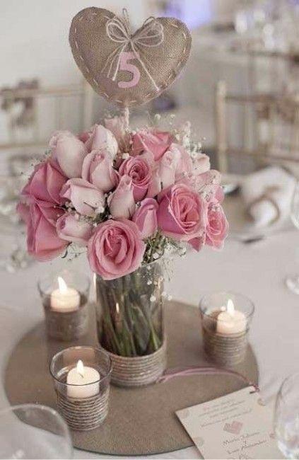Centre De Table Avec Des Roses Pour Un Mariage Romantique
