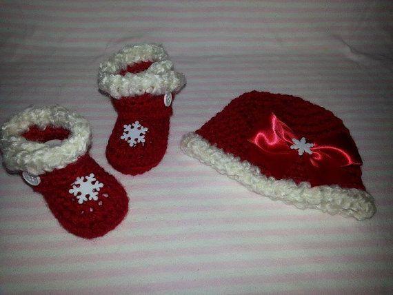 Santa Hat and booties by BellasBabyTreasures on Etsy