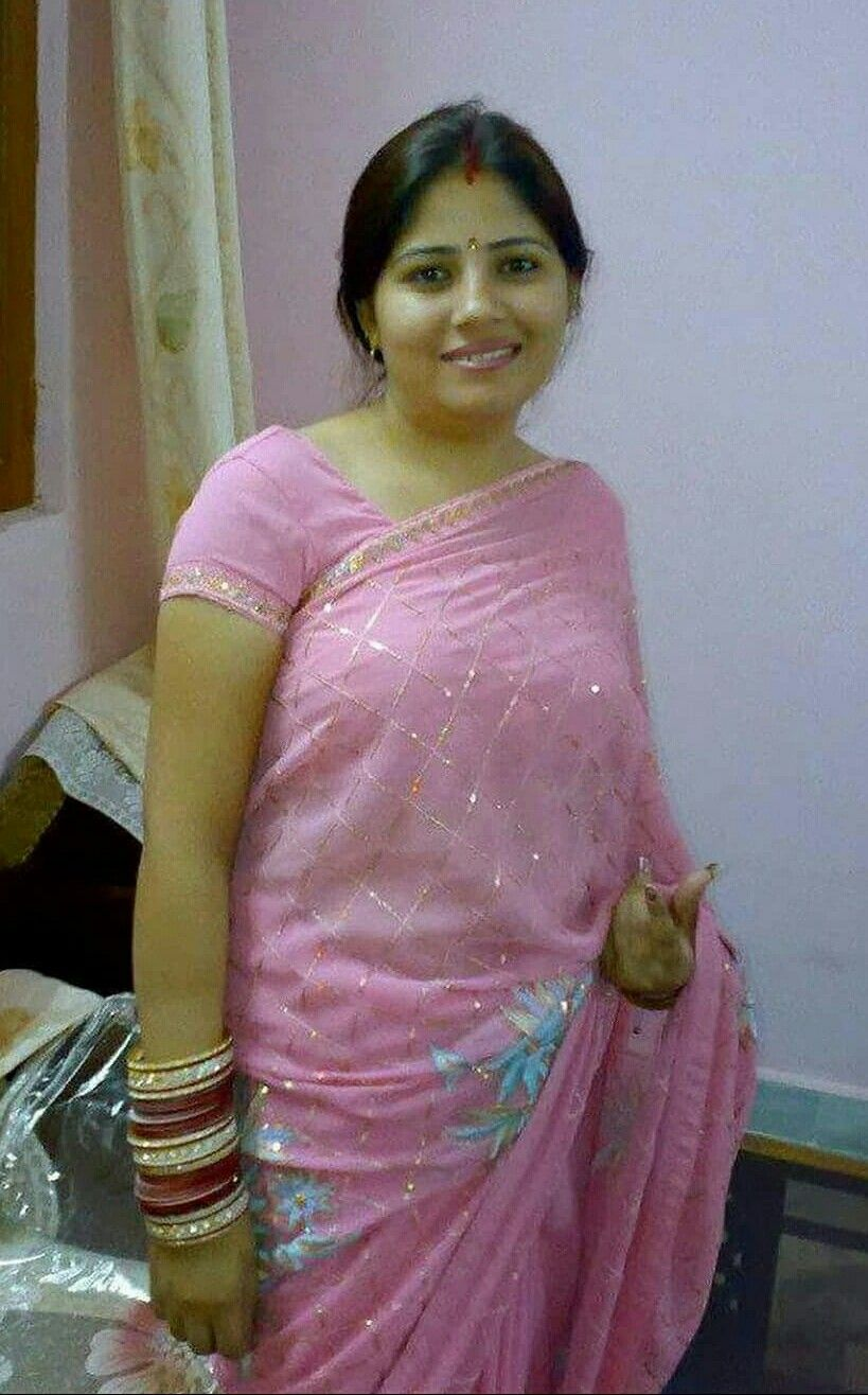 housewife dating india