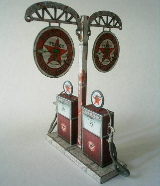 Vintage Gas Pump Paper Model by Papermau