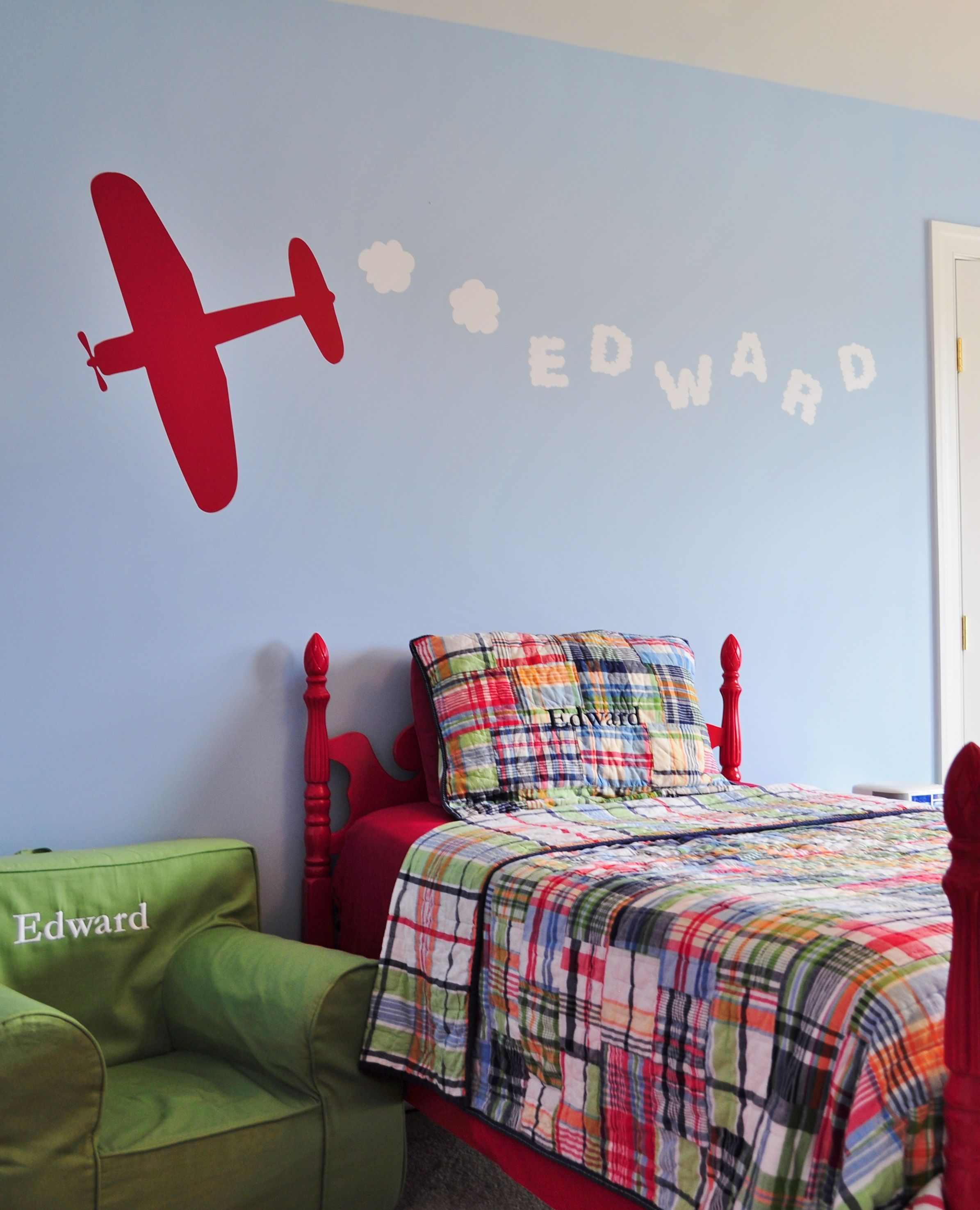 sky writing k designs style kids love their names on their walls here we make it fun. Black Bedroom Furniture Sets. Home Design Ideas