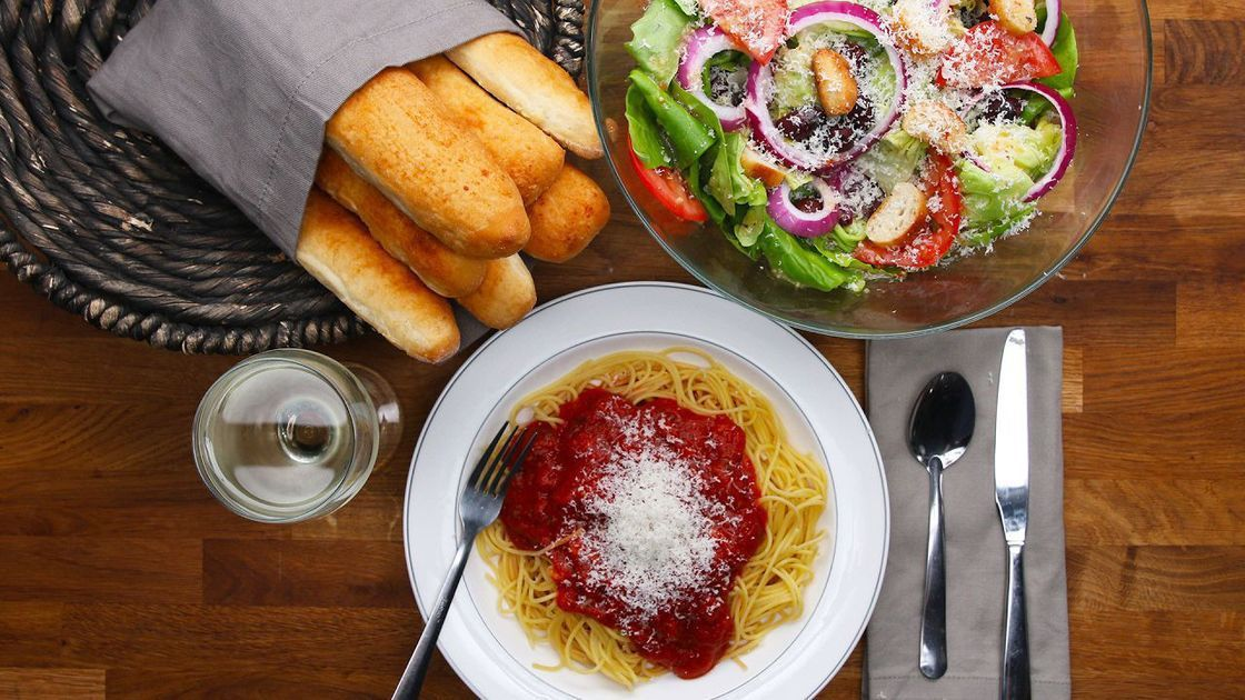 Copycat Garlic Butter Breadsticks Bread recipes, Garlic