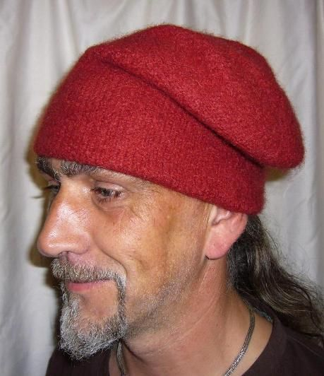 Monmouth Cap- the first type of pirate hats. They were very typical ...