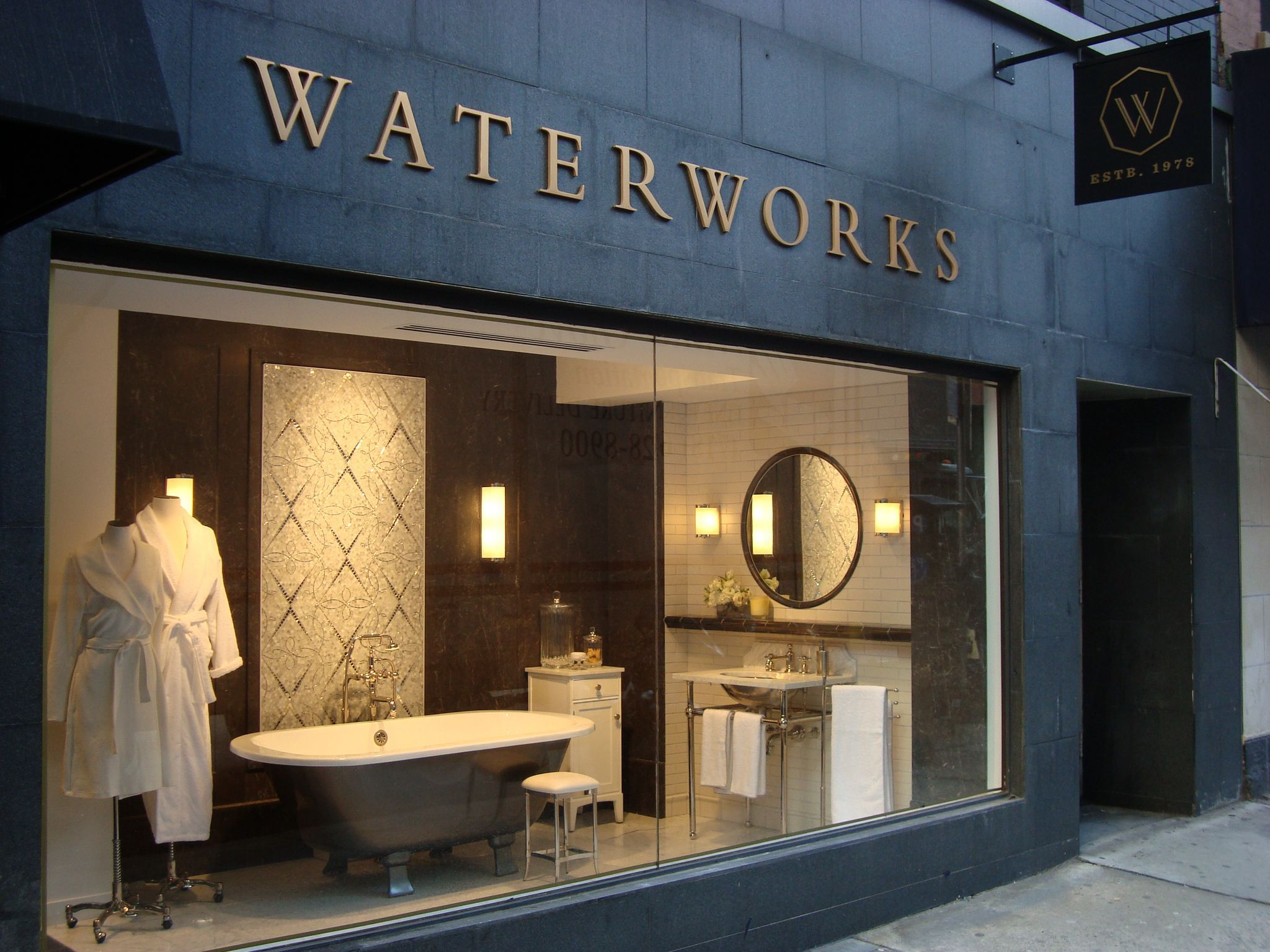 Exposicion Baños Barcelona Nyc Showroom Waterworks Pinterest Salas De