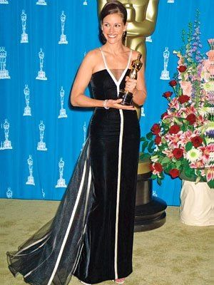 Julia Roberts In Black And White Gown Fashion Impulse In