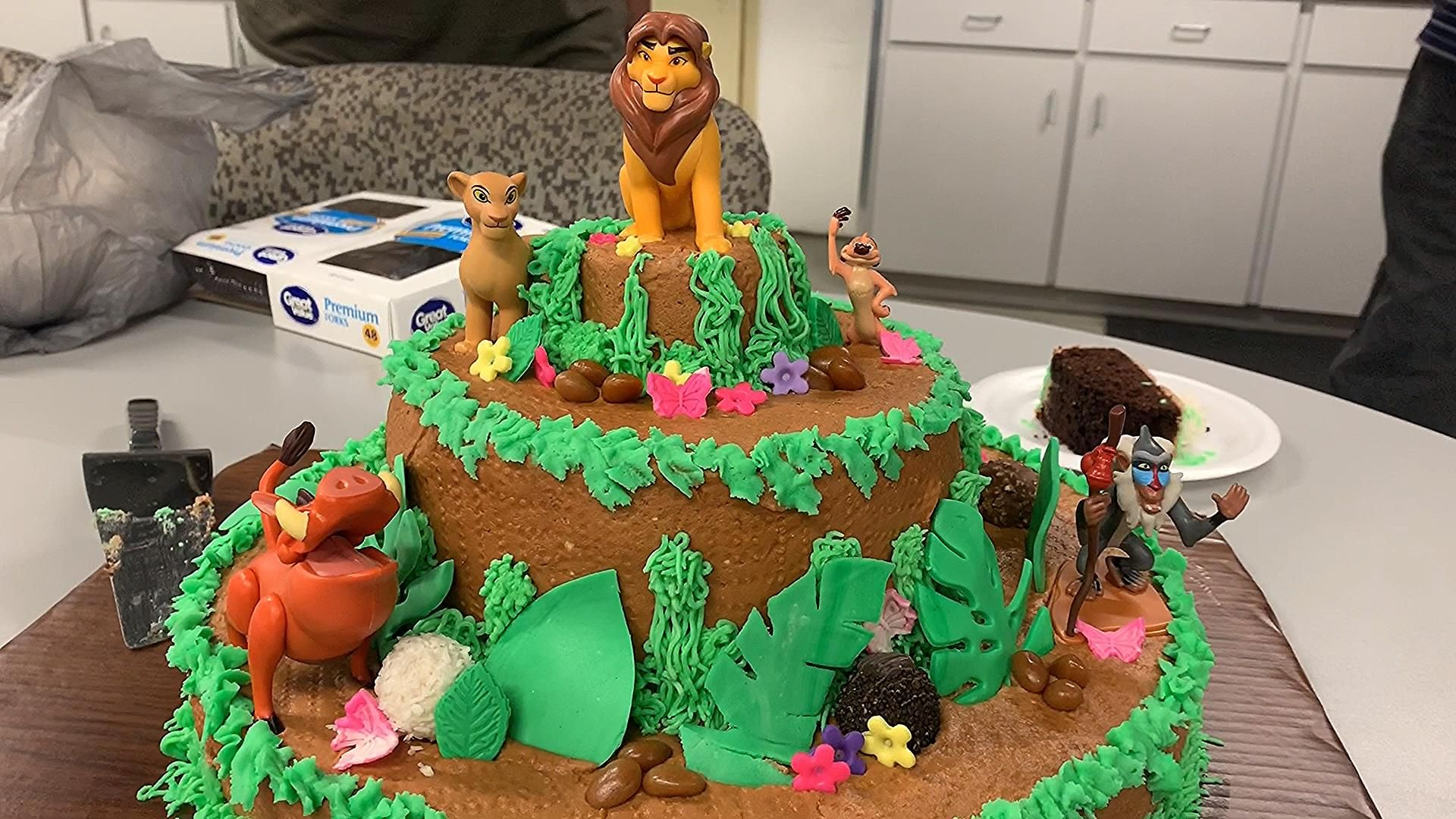 Happy friday check out this amazing cake we had at