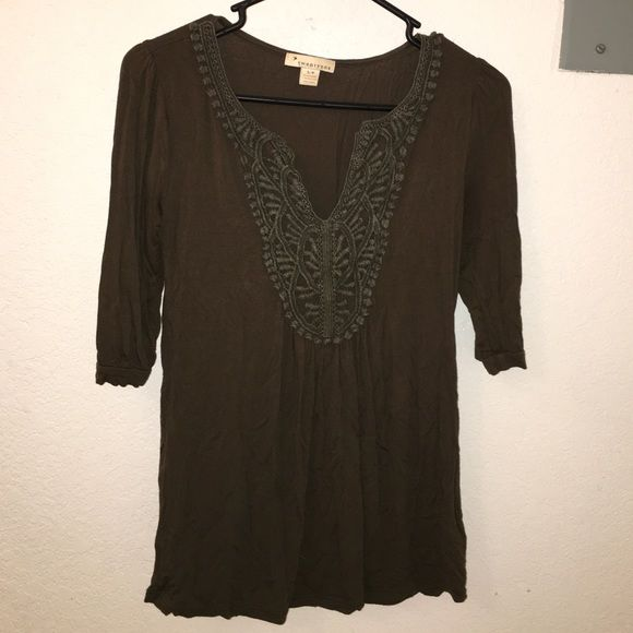 Forever 21 3/4 sleep top Olive green top with neckline detailing. Forever 21 Tops Tees - Long Sleeve