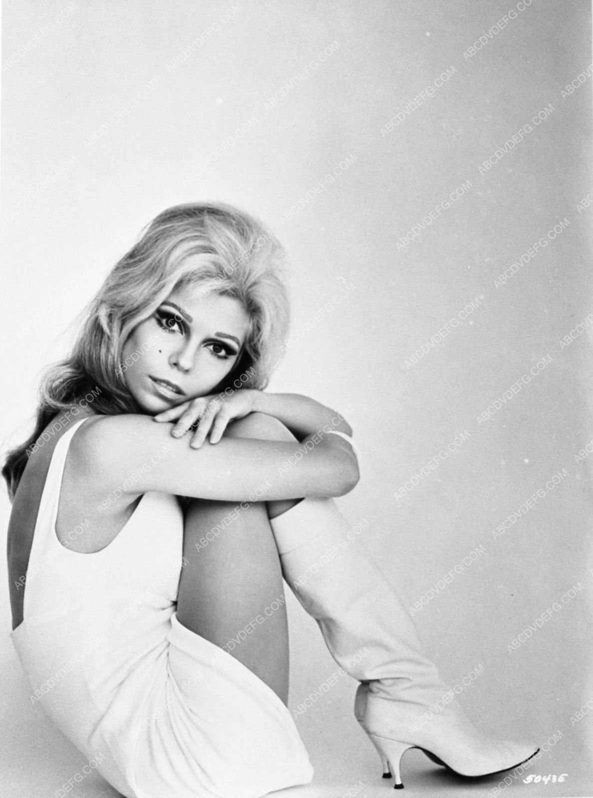 photo Nancy Sinatra short skirt go-go boots portrait 682-34 | Nancy ...