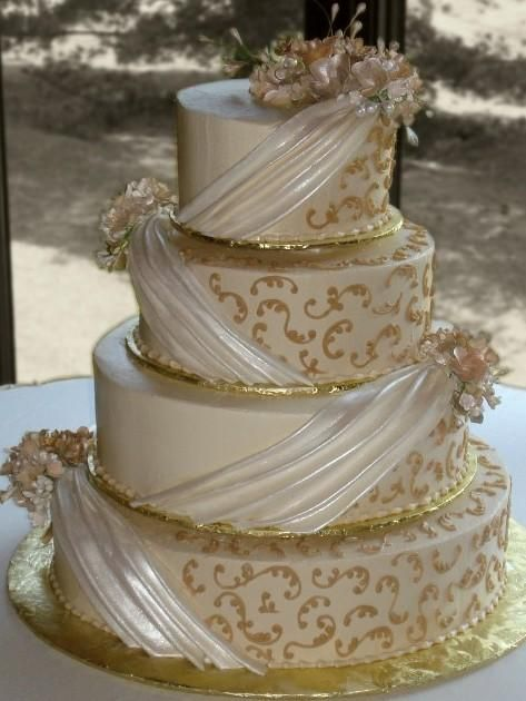 Candlelight Ercream Iced 4 Tier Round Wedding Cake Decorated With Pearlescent Fondant D Gold