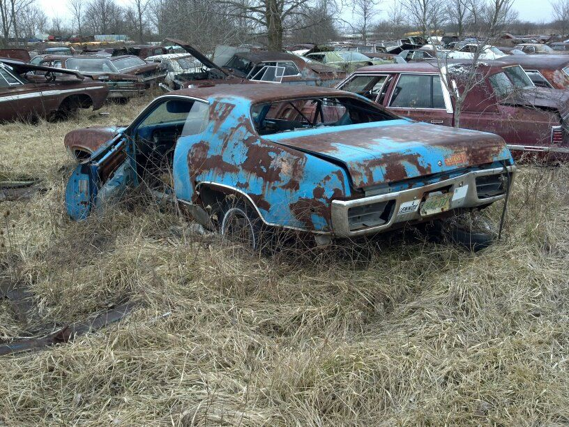 Pin by Christopher Chopin on Lost mopars Abandoned cars