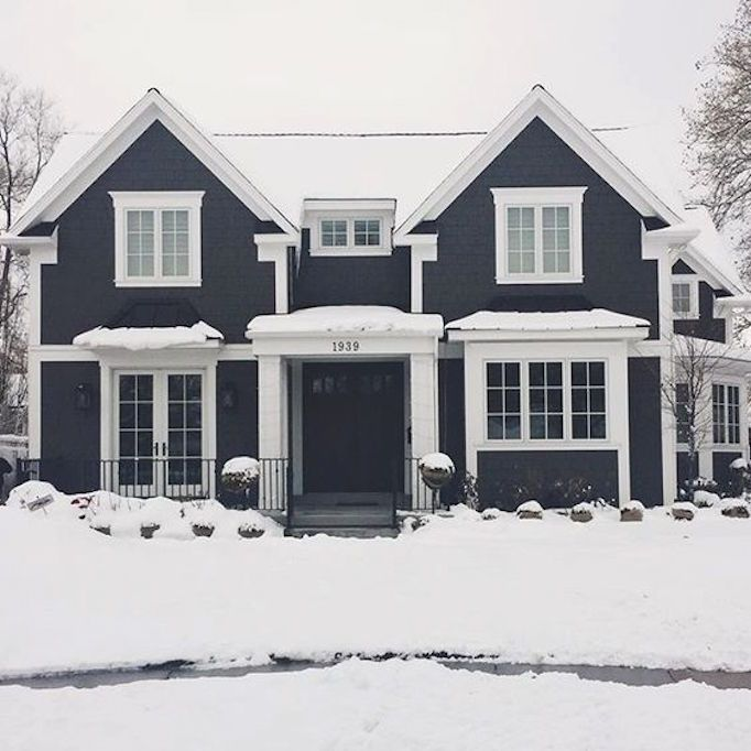 Beautiful Home Exterior Colors: 10 Beautiful Black + White ExteriorsBECKI OWENS
