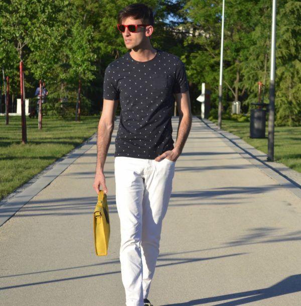 e49e27d440 catalogo-jules-verano-hombre-2016-camiseta-estampada-pantalon-blanco ...