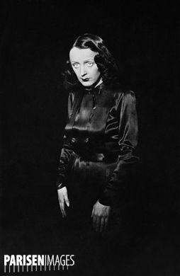 edith piaf chanteuse fran aise vers 1940 vieilles photos chanteur chanteurs fran ais et. Black Bedroom Furniture Sets. Home Design Ideas
