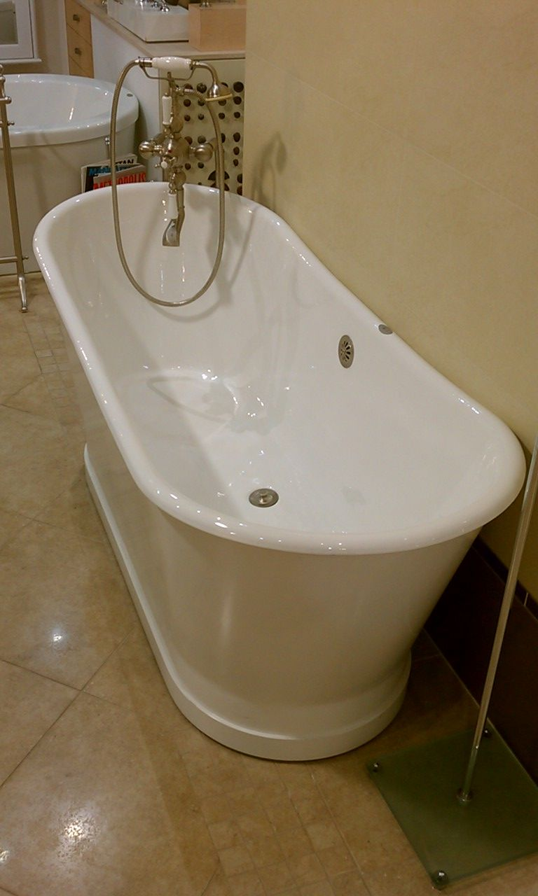 deep soak tub. i wish this would fit into the new bathroom. all ...