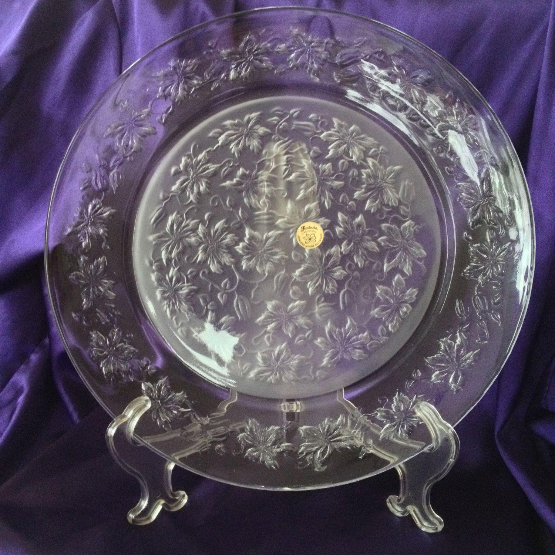 "Princess House 8/"" Crystal Plate Poinsettia Pattern Beautiful"