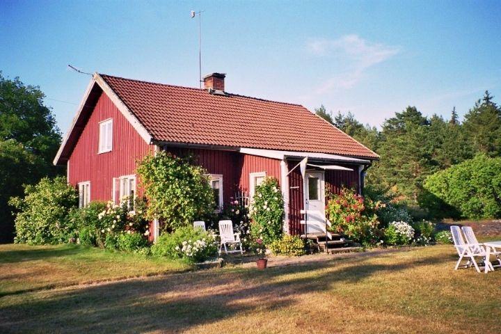 Sommarparadis direkt vid Vänern (Stuga uthyres i Ekenäs, Säffle, Värmland)