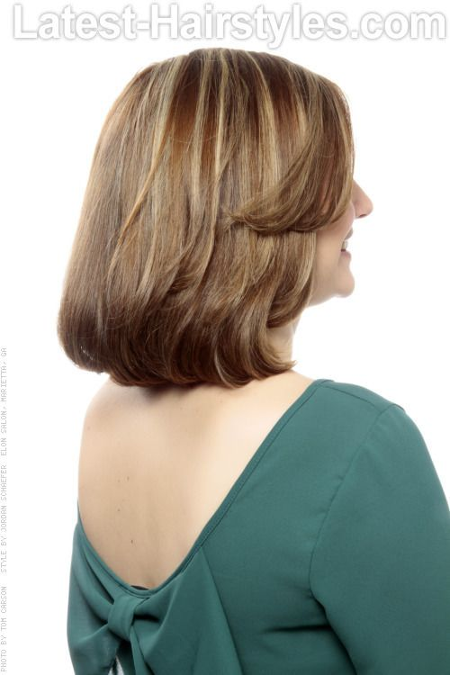 34 Different Types of Haircuts On the Radar Right Now Mid length hair Medium hair styles