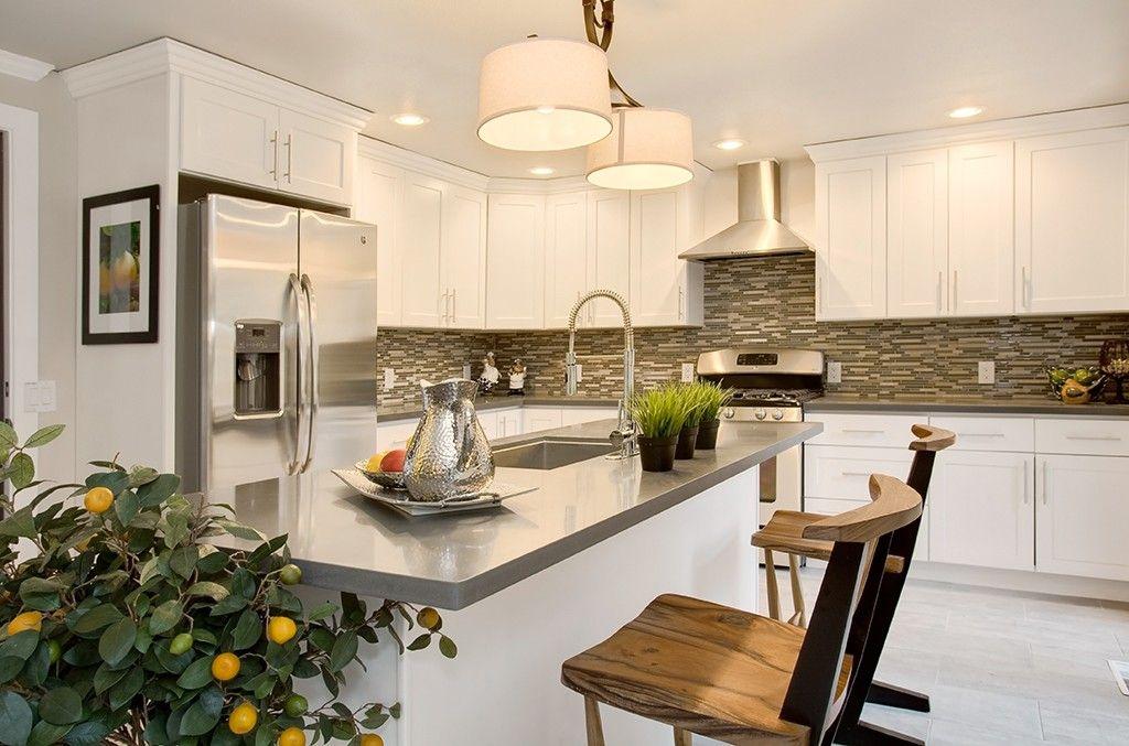 White Shaker (Maple) - Pius Kitchen & BathPius Kitchen & Bath ...