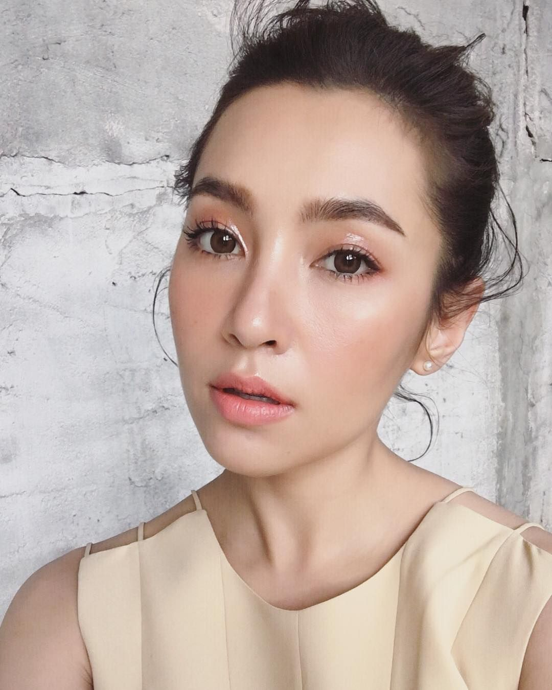 Korean makeup: principles and features