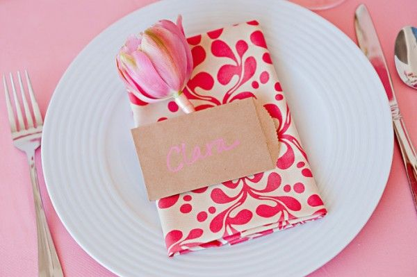 pretty pink tulip placesetting