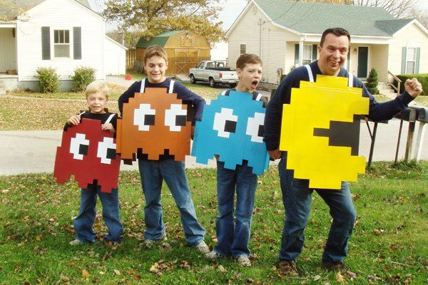 Meghan Bostic this made me think of you when I saw it! Holidays - halloween costume ideas for family