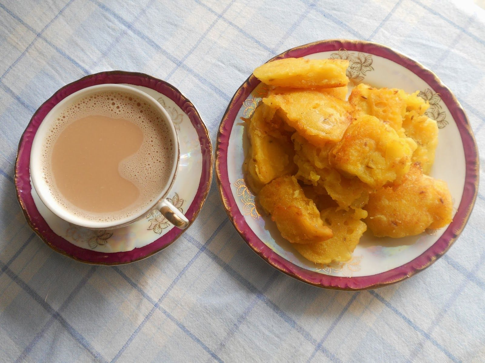 Who doesn't have fond memories about the time when we used to devour golden pazham poris with piping hot chai (tea) while watching the thundering monsoon showers from afar? Yes, along with parippu vada (lentil fritters), we Malayalees delight in demolishing pazham pori (Kerala style fried banana fritters).