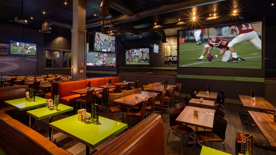 Dave busters restaurant bar and arcade for fun parties