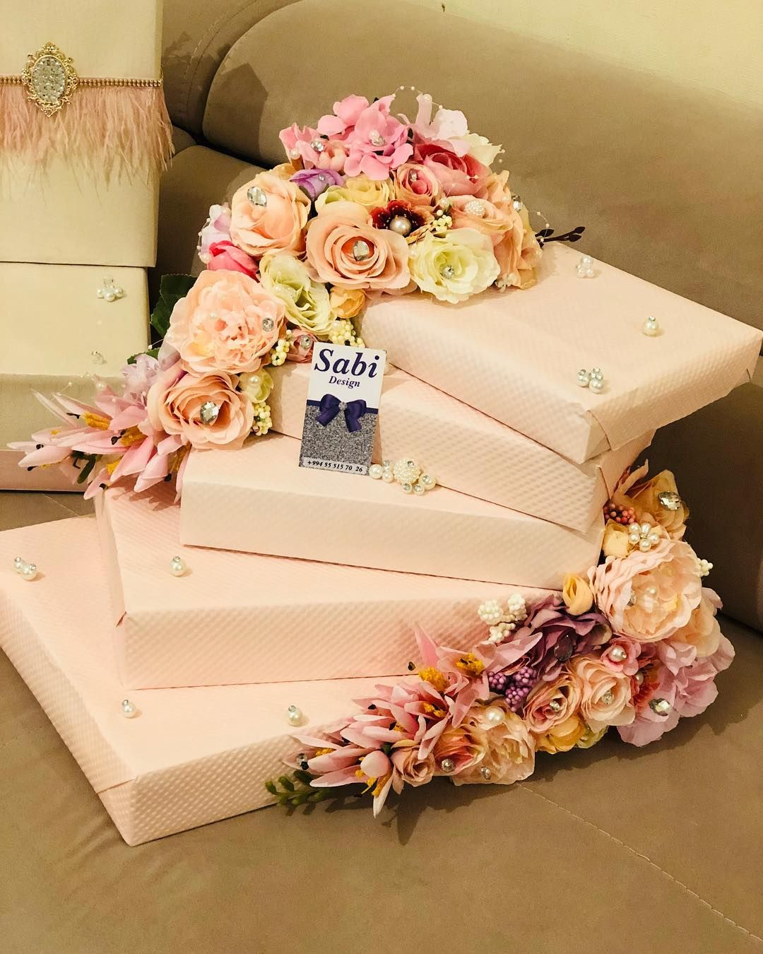 Pin By Suhaila On Xoncalar Wedding Gifts Packaging Wedding Gift Wrapping Engagement Decorations