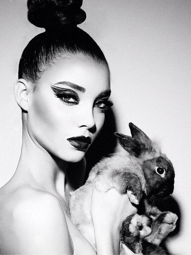 Nickayla Rivera Black And White Makeup White Makeup Makeup Photography