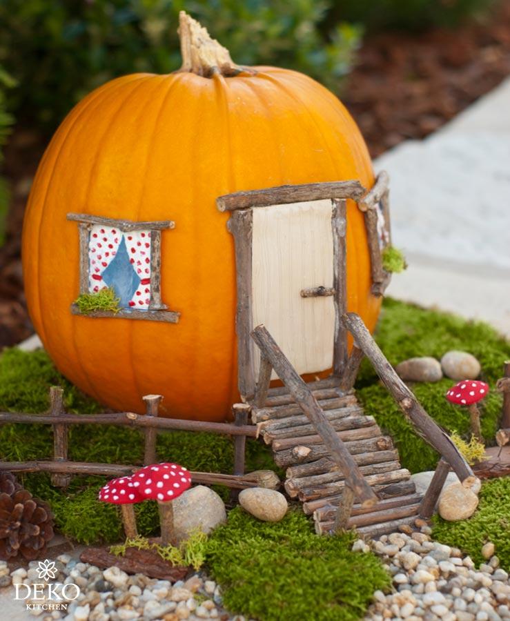 DIY: süßes Kürbis-Haus für die Herbstdeko mit Kindern