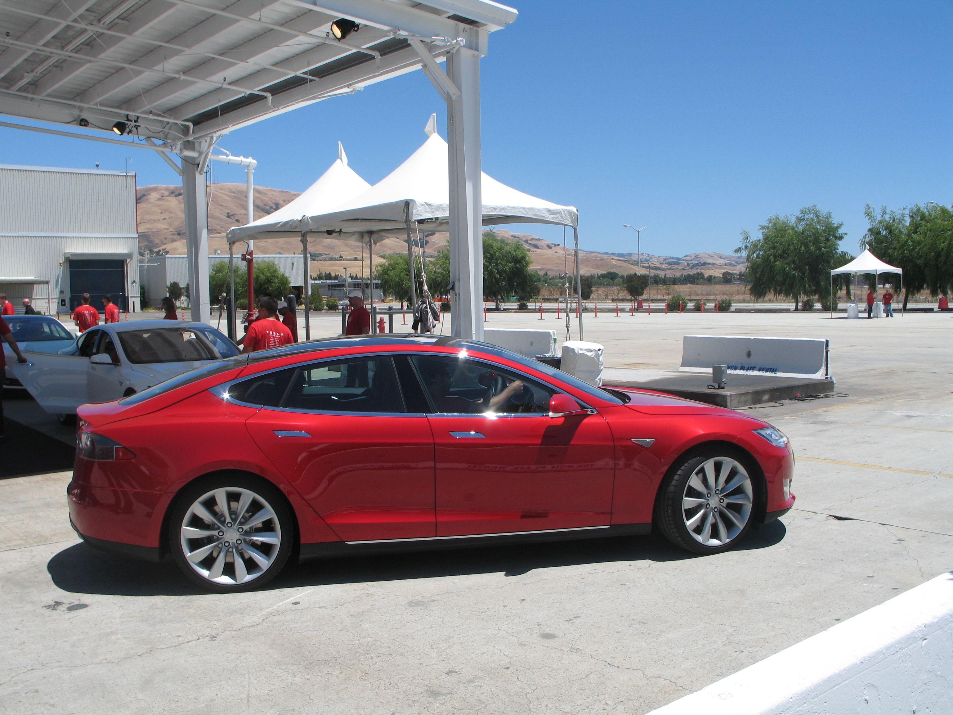 New Sunset Red Pics Forums Tesla Motors Tesla Model S Dream Cars Red Car