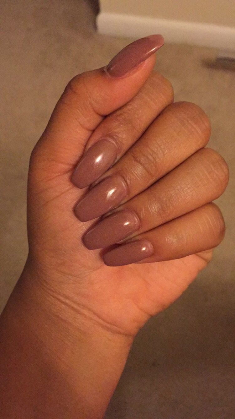 My Fav Nails Right Now Never Thought I D Like Brown Coffee Colored Long Acrylic Nails Gel Polish Subtle Nails Long Acrylic Nails Pretty Nail Designs