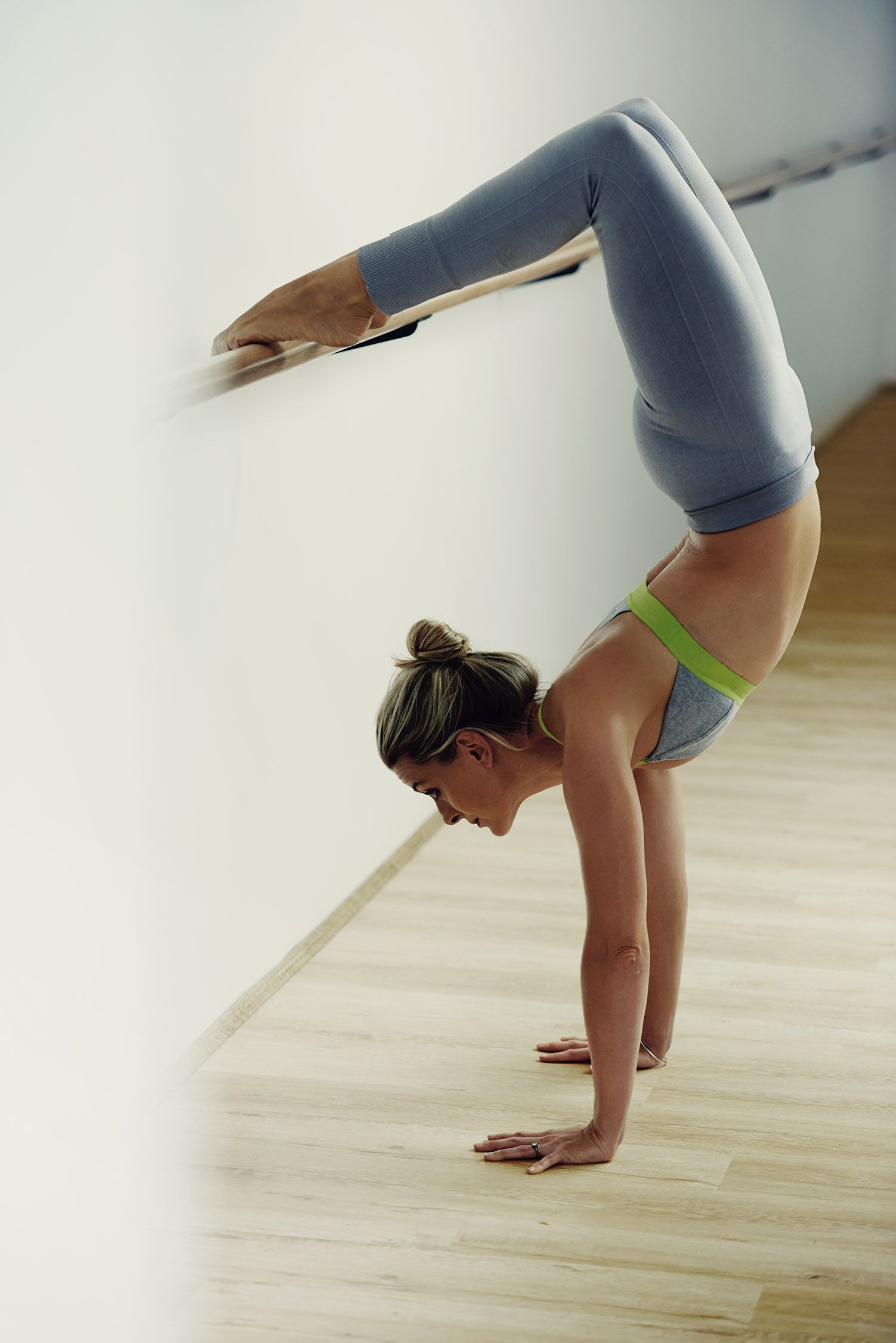 #barrebody #barre #handstand | fitness | Barre body ...