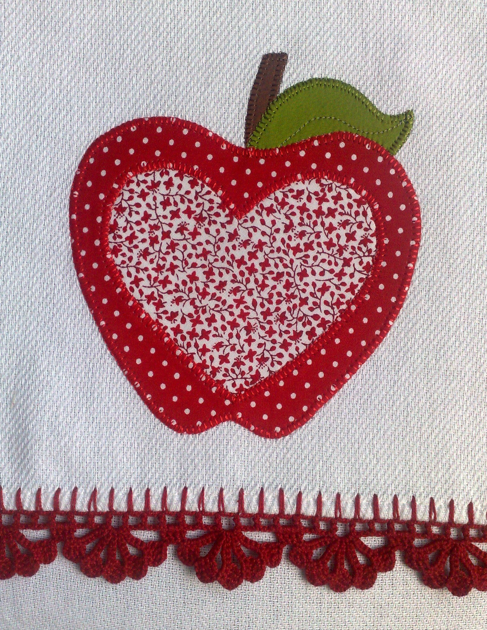 Disregard the quilt applique--take a look at the crocheted edge ...