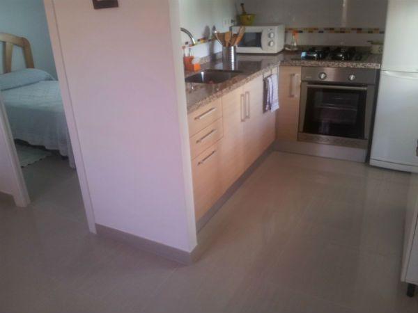 Suelos para cocinas como elegir un pavimento para la for Pavimentos para cocinas