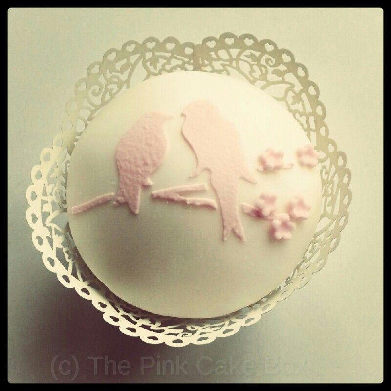 #vintage #cupcake #wedding #lovebirds