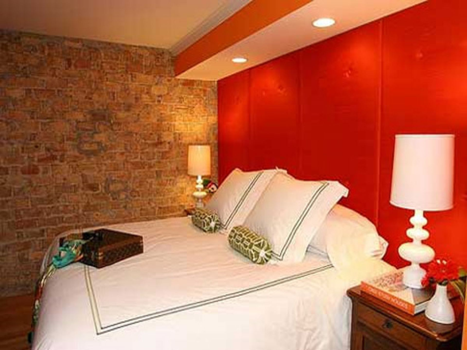 Wall Color Design With Modern Bedroom With Red Stained Color ...