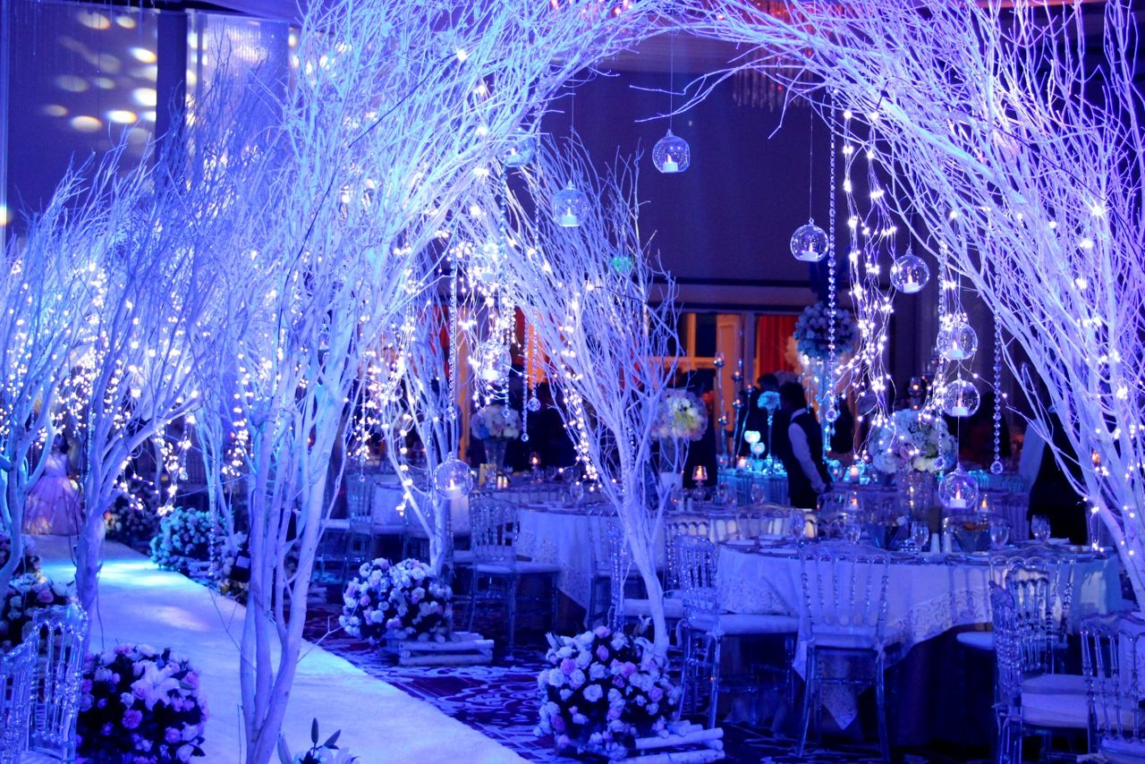 Winter Themed Wedding In Manila Wedding Themes Winter Winter Wedding Colors Wedding Themes Unique