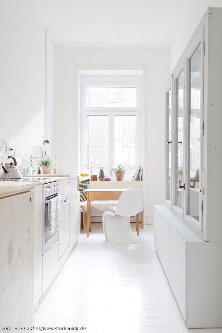 Schmale Küche in einem Altbau | Schmale küche, Designklassiker und ...