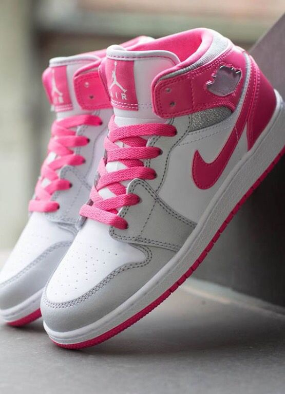 09c3808809 Cute comfy and awesome Nike shoes!!- Please Follow me!!  D❤ ❤ ❤️