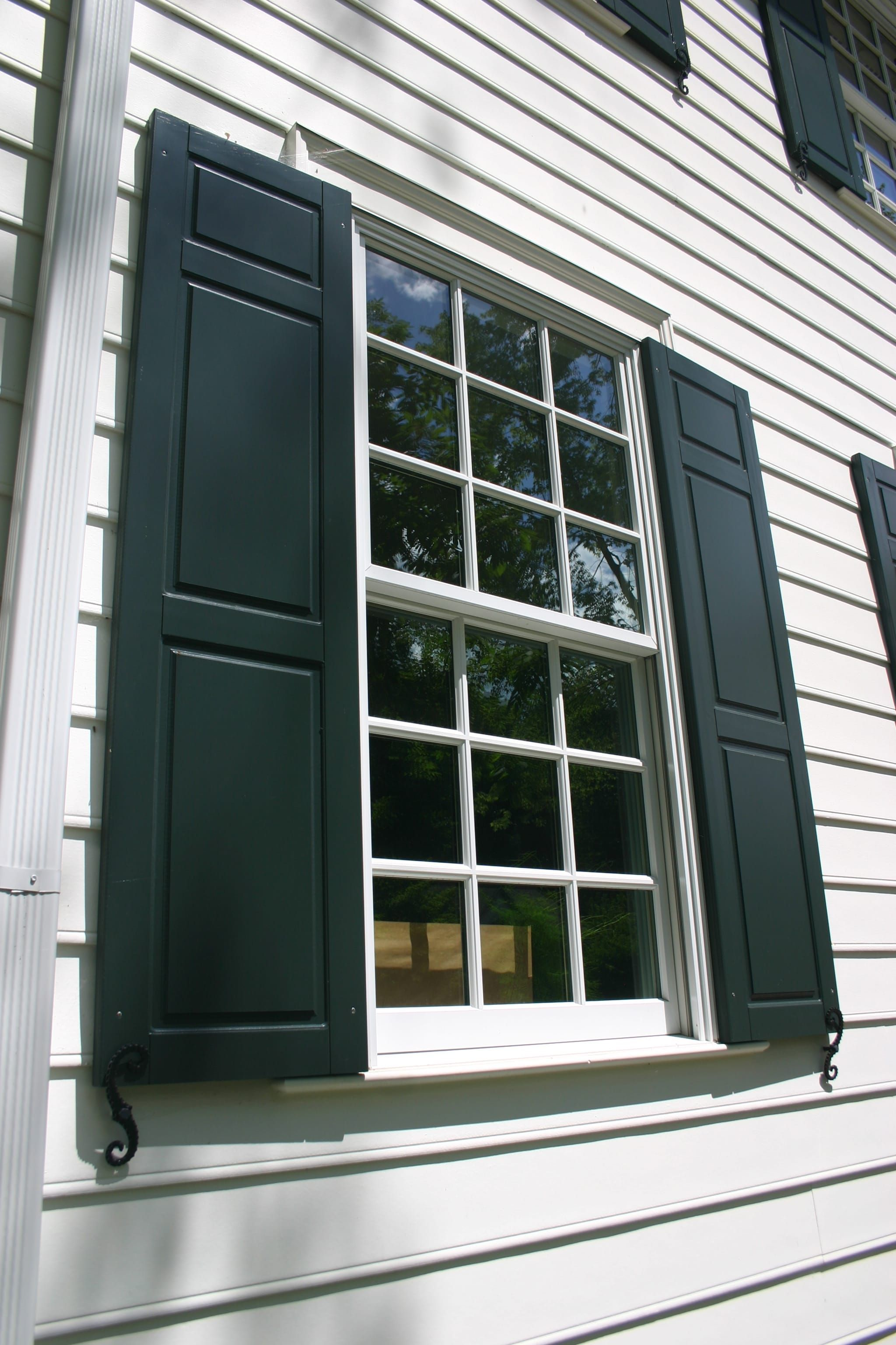 Open Shut Case How To Choose And Hang Shutters In 2020 Shutters Louvered Shutters Open Shutters