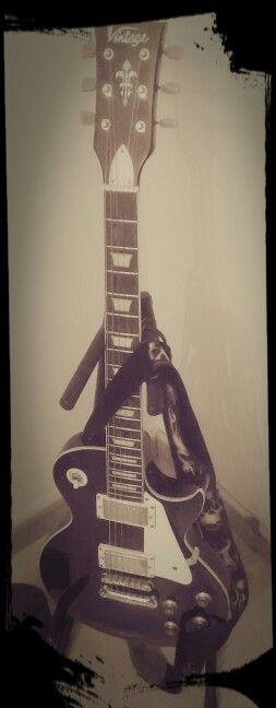 My Vintage Les Paul guitar by growingearth