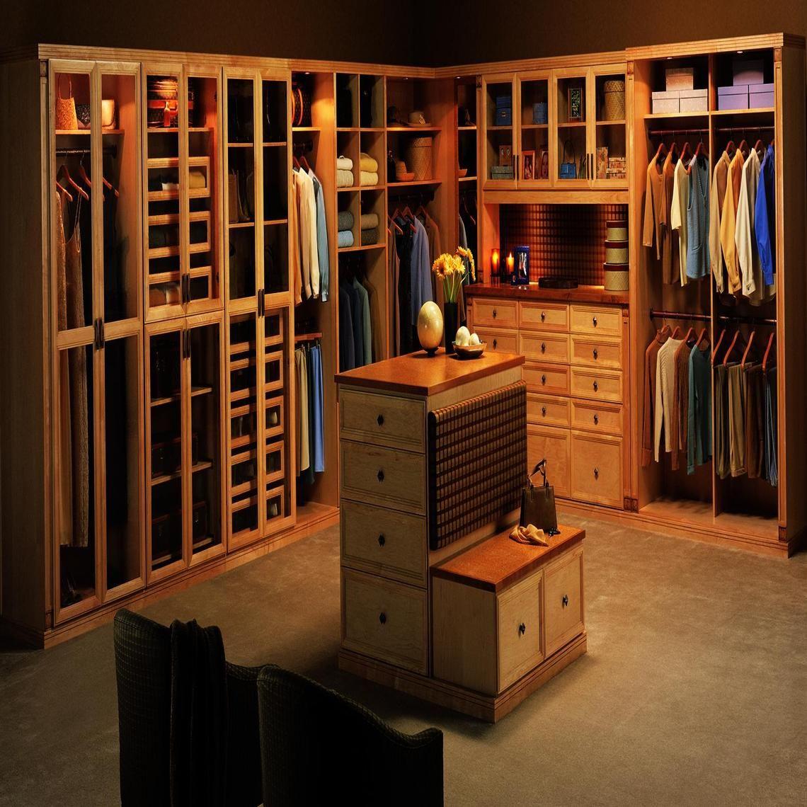 Walk-in closet(dresser)