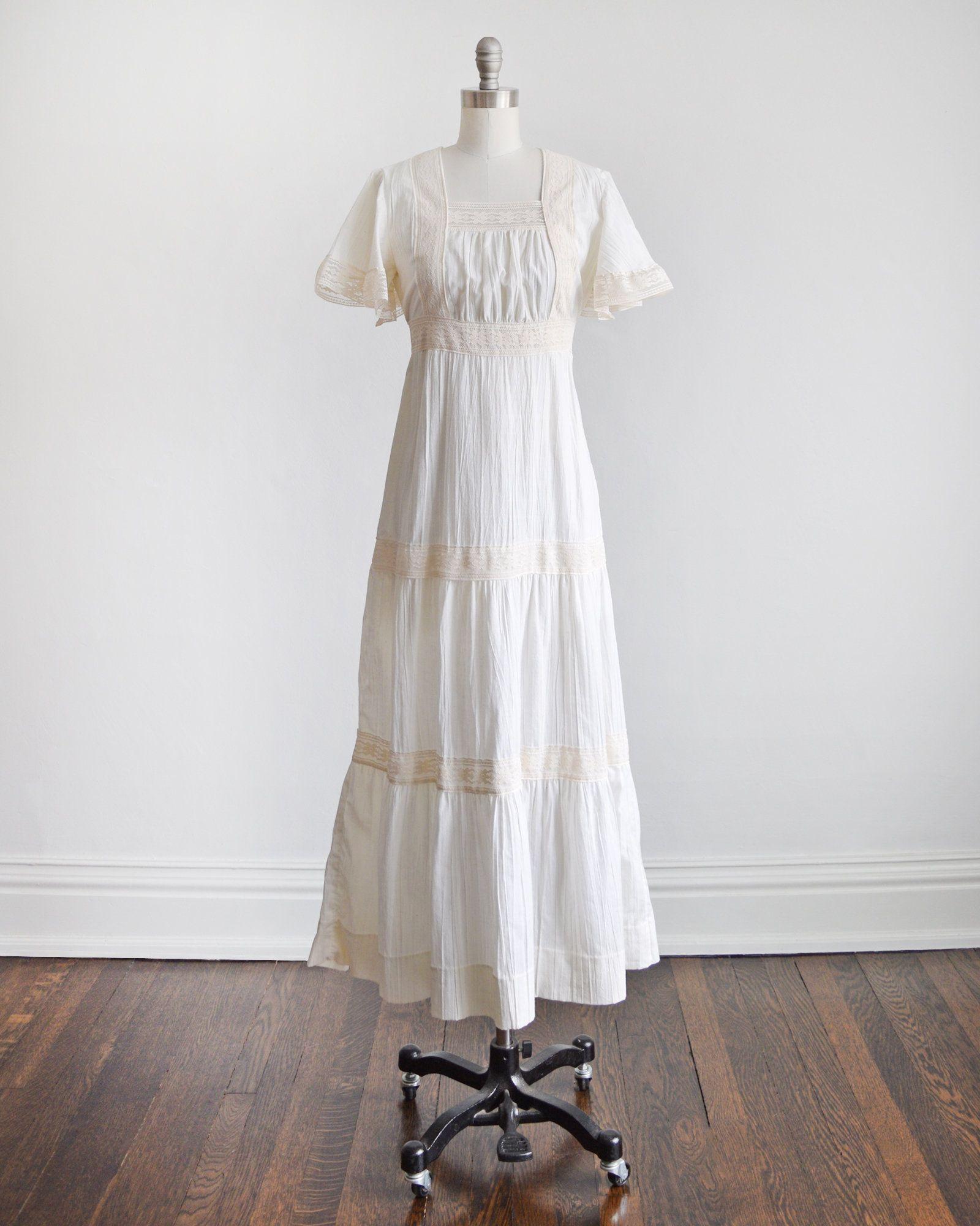 70s White Lace Maxi Dress Vintage 1970s Mexican Wedding Etsy Vintage Maxi Dress Lace Maxi Dress Lace Maxi [ 2000 x 1600 Pixel ]