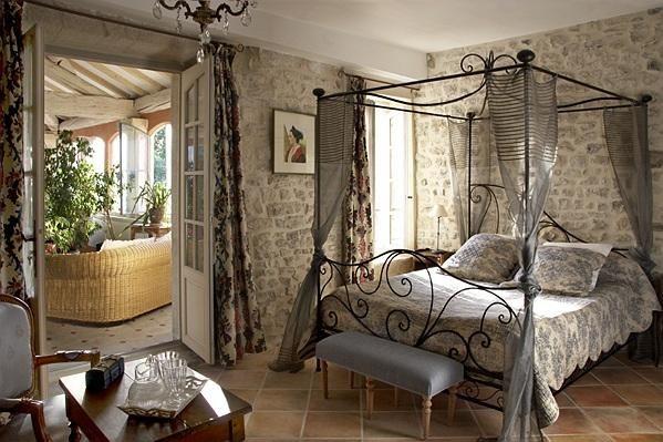 Chambres D Hotes De Charme Et Vins Sud De France Chambre Hote Charme Deco Maison De Charme Deco Interieure Chambre