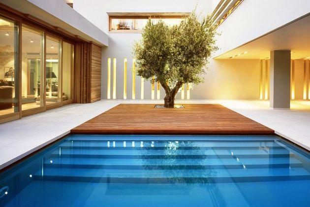 Contemporary Indoor Outdoor Greek Residence