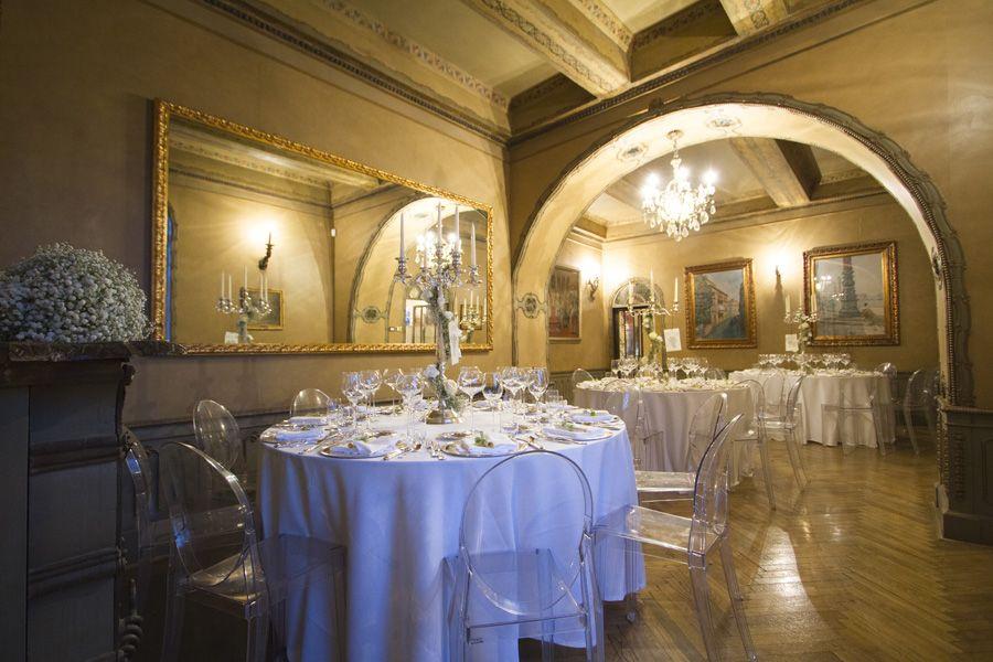 Elegante sala per ricevimenti allestita per matrimonio preludio catering banqueting a - Addobbi sala matrimonio ...